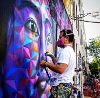 Joel Artista painting; Photo by @slimjim72